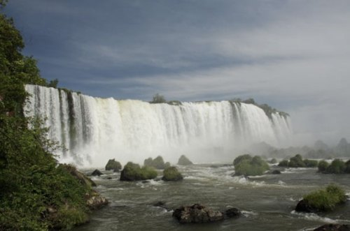 Vista do Salto Floriano, no Parque Nacional do Iguaçu que faz hoje 70 anos.
