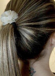 Para prender a cabeleira com charme