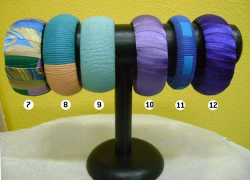 Bangles de cetim e fios de algodão encerado R$ 10 (cada) + frete