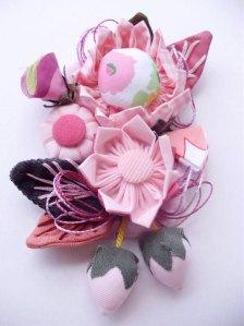 Broche de flor: R$ 20,00 + frete