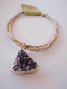 Ametista com palha de buriti (vários fios) R$ 52