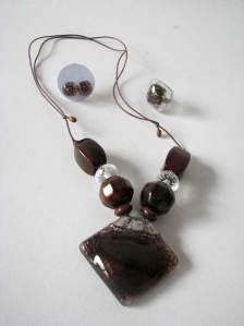 Vidro e cristal: colar + anel + brincos