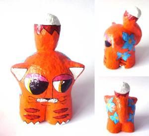 Gato laranja papel machê