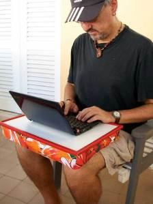 Almofada para laptop protege a fertilidade do homem