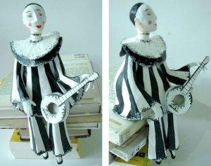 Pierrot em papel machê R$ 145