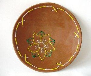 Cerâmica bordada destaca flores do sertão (LOI 003)